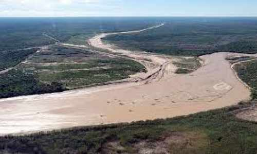Crecida del río Pilcomayo preocupa a Defensa Civil